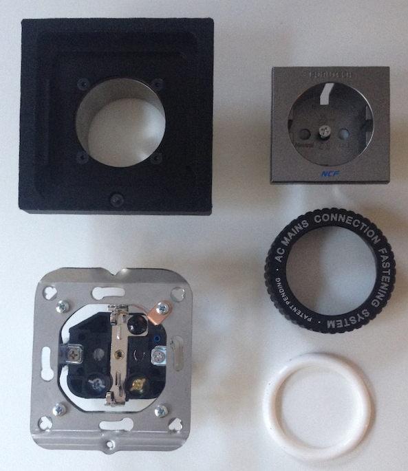 Stück für Stück zum Glück: Die Konstruktion von C-Lock SE (Bild) und C-Lock Lite Steckdose ist im Prinzip gleich